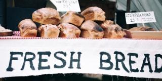Без хлеба куска везде тоска…