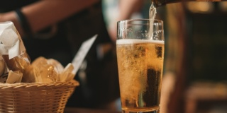Формат магазинов разливного пива – не самый популярный у петербуржцев
