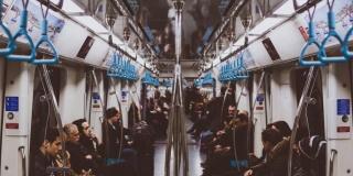 Метрополитеном пользуются 57% петербуржцев